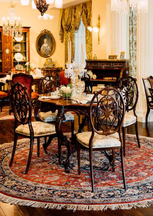 ウイグル手織絨毯のコーディネート例