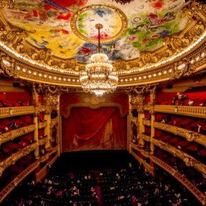 8.オペラ座の観客席を彷彿させる本品