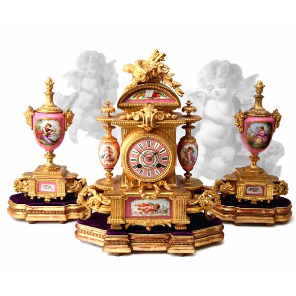 金彩ブロンズ装飾燭台付マントルクロック<br /> フランス 1880年頃 パリ窯/ブロンズ<br />