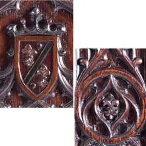 9.フランス王家の象徴フルール・ド・リス彫刻