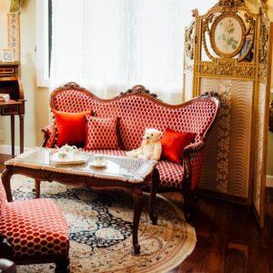 1.金箔スクリーンのによる室内装飾
