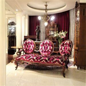 9.美の黄金比を体現した装飾家具