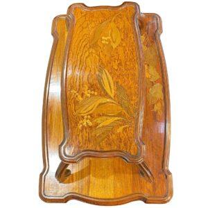 1.「スズラン」の緻密で美しい象嵌